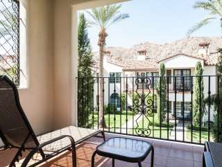 Upgraded 3Bd/3Ba Villa on the Paseo with Fountain Views - Upper C75