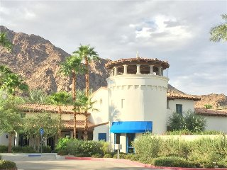 3 Bd/3 BA Villa with Big Sky Views & Garage - Upper L56, La Quinta