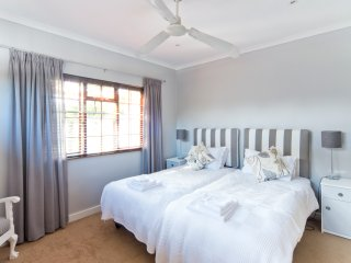Ailsworth Garden View Cottage - Great for Touring, Cape Town Central
