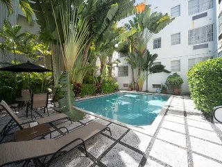 THE HUDSON,I BR,2 BATHS,POOL,2 BLKS TO BEACH,BEST!, Miami Beach