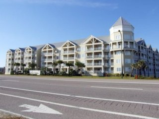 Beautiful Beach Front Condo 3Br/2 Ba/ Balcony