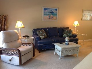 2 bedroom 2 1/2 bath town-home across from the beach!, Long Beach