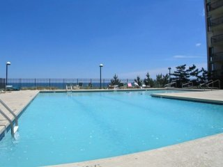 Braemar Towers 1207 - Oceanfront (Side) w/ Pool!