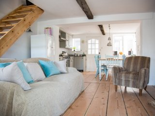 South Hams Beach Cottage 100m from Sea