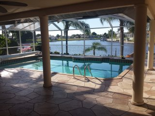 Waterfront Gulf Access, Pool and Incredible View!, Cape Coral