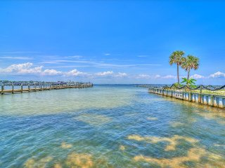 Hermitage By The Bay 301-2BR-AVAIL 7/17-7/20 $871!!- RealJOY Fun Pass-Marina-Walk2Bch, Fort Walton Beach