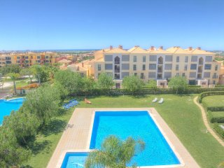 Top floor apartment with sea views in Vilamoura