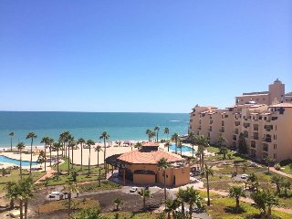 Sandy beach with ocean view, Puerto Peñasco