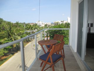 Coral Suites - 3 blocks to Coco Beach, Playa del Carmen