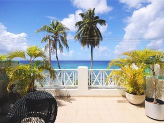 The Wicket, Beachfront Penthouse Apartment, Speightstown