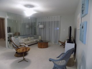 Retro Modern Chic Condo in Gulf Shores,Al.