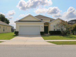 Delightful 4 BR Pool Home in Gated Community, Close To Everything