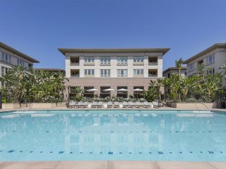 Summer beach Villa + luxury car, Inglewood