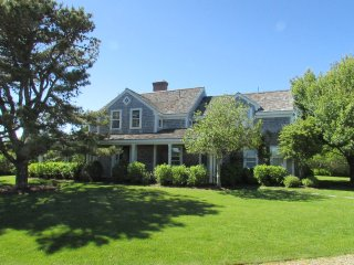 4 Bedroom 4 Bathroom Vacation Rental in Nantucket that sleeps 8 -(10331)