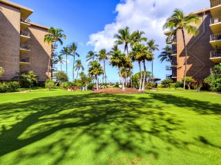 Extravagant 1BR Kihei Condo w/Wifi, Gas Grill, Community Pool/Hot Tub Access & Gorgeous Beach Views - Close to Numerous Beach Attractions!