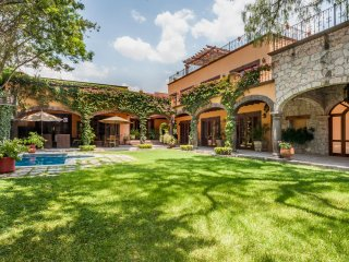 Large Luxury Villa in Center w'pool, San Miguel de Allende