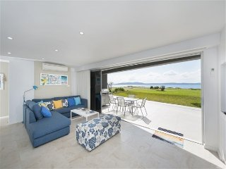 Stunning Waters, Sandy Point Road, 1/46, Corlette