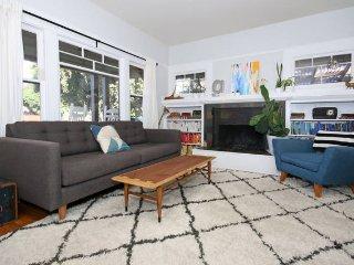 Craftsman home in hip walkable neighborhood, San Diego