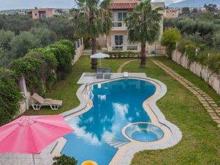 Villa Ifigeneia with pool in Chania, Akrotiri