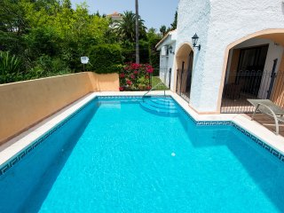 Puerto Banus Villa with Private Pool and Sea Views, Marbella