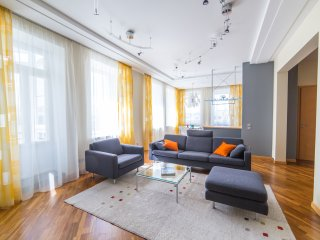Luxery modern appartment in the city center 150m²