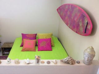Colorful home in City - 6th floor studio + Wi-Fi