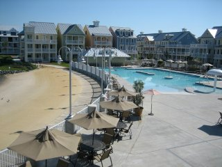 Sunset Island 2 Fountain Dr. E 3A - Gated Resort!, Ocean City