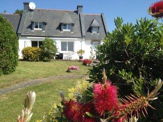 Maison en bord de mer (50 mètres) avec jardin