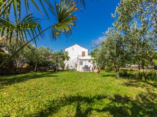 Beby, standalone house, 2BR, terrace,grill, garden, Zara