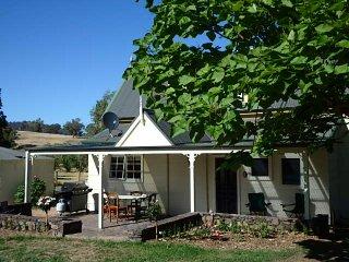 Pin Oak Chapel- French Farm House, Mansfield