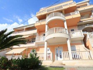 Villa Flamingo Apartments with seaview in center, Makarska