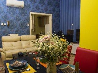 Broadway Hip apartment in VI Terézváros {#has_lux…