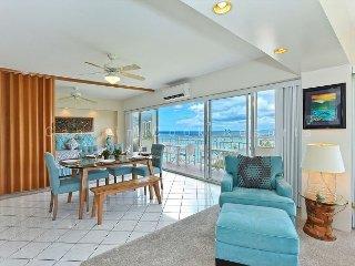 Million Dollar Ocean Views plus FREE Secure Onsite Parking and WIFI!, Honolulu