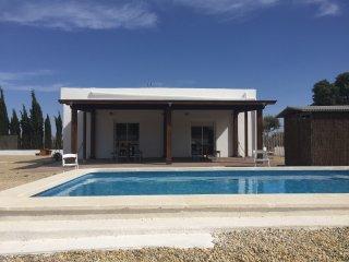 chalet con piscina en nijar villa, Almeria