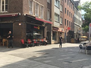 Altstadt Düsseldorf - Clean Furnished Apartment, Dusseldorf