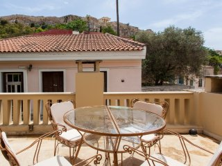 An Exclusive house with Acropolis View in Plaka, Atenas