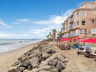 Oceanfront 2br in Oceanside, CA Designer Decorated & A/C Equipped