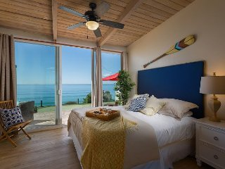 Oceanfront Retreat, 5br, 5ba, private putting & patio Designer Decorated & AC