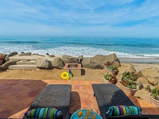 Gorgeous Single Family Beachfront Home on the Sand, Equipped with Central AC