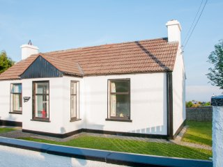 Minnie's Cottage - On The Wild Atlantic Way & Close to Everything., Greencastle
