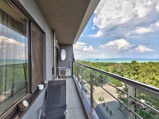 Panteona Seafront Apartment 2bdr, Burgas