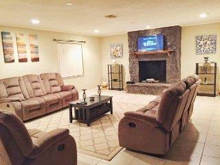 4 Bedroom Vacation Miami Retreat With Pool
