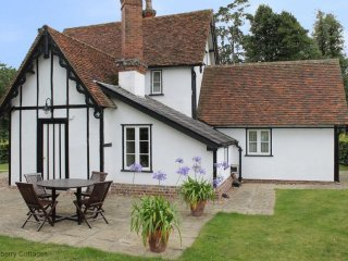 North Lodge 4 Star Gold Self-Catering Cottage, Finchingfield
