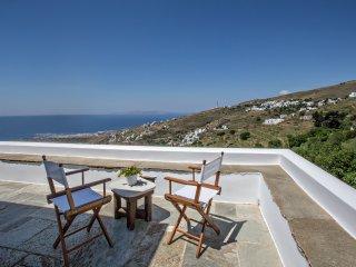 4-Bdrm Villa Mare Vista in Tinos island, Tinos Town