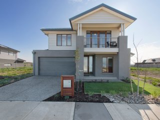 WYNDHAM HARBOUR VILLA - MELBOURNE - BEACHFRONT