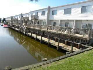 Canal Front 2 BR townhouse North Ocean City 2 Blocks to the beach