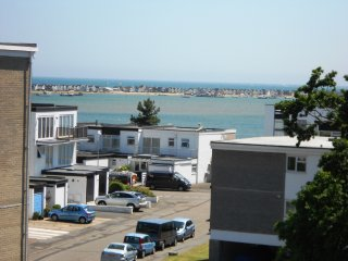 BOURNECOAST: BEACHES, FRIARS CLIFF SEA VIEWS MUDEFORD QUAY - FM5856