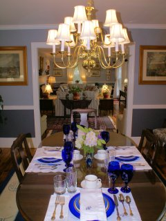 Dining room, seats 6 - 8. Table seen in living room converts, seats 6.