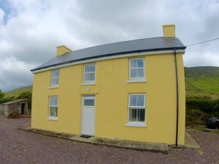 Stunning Farmhouse, Waterville