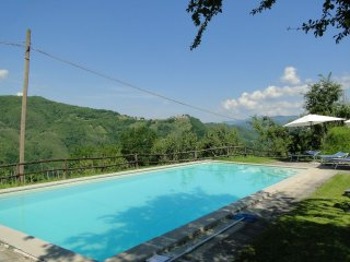 Daniele, Stunning views, Pool, WIFI, Close to food, Fosciandora